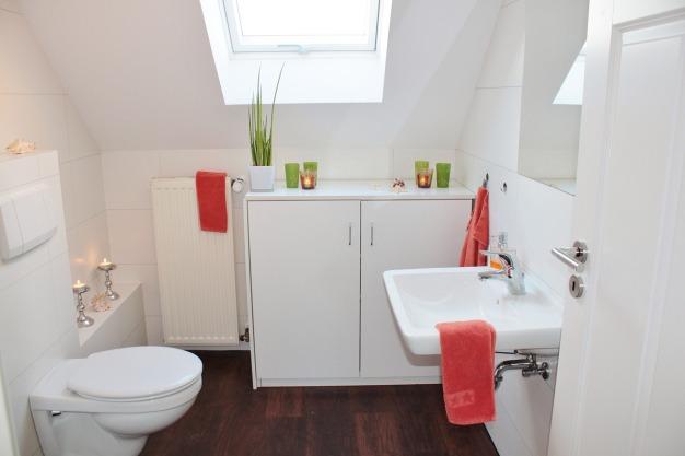 Tous nos conseils pour aménager une salle de bain mansardée – Blog ...