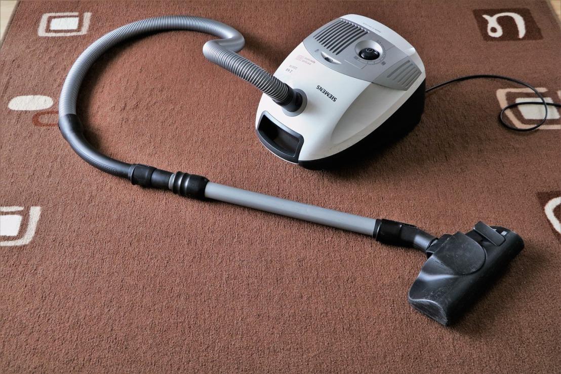vacuum-cleaner-1605068_1280