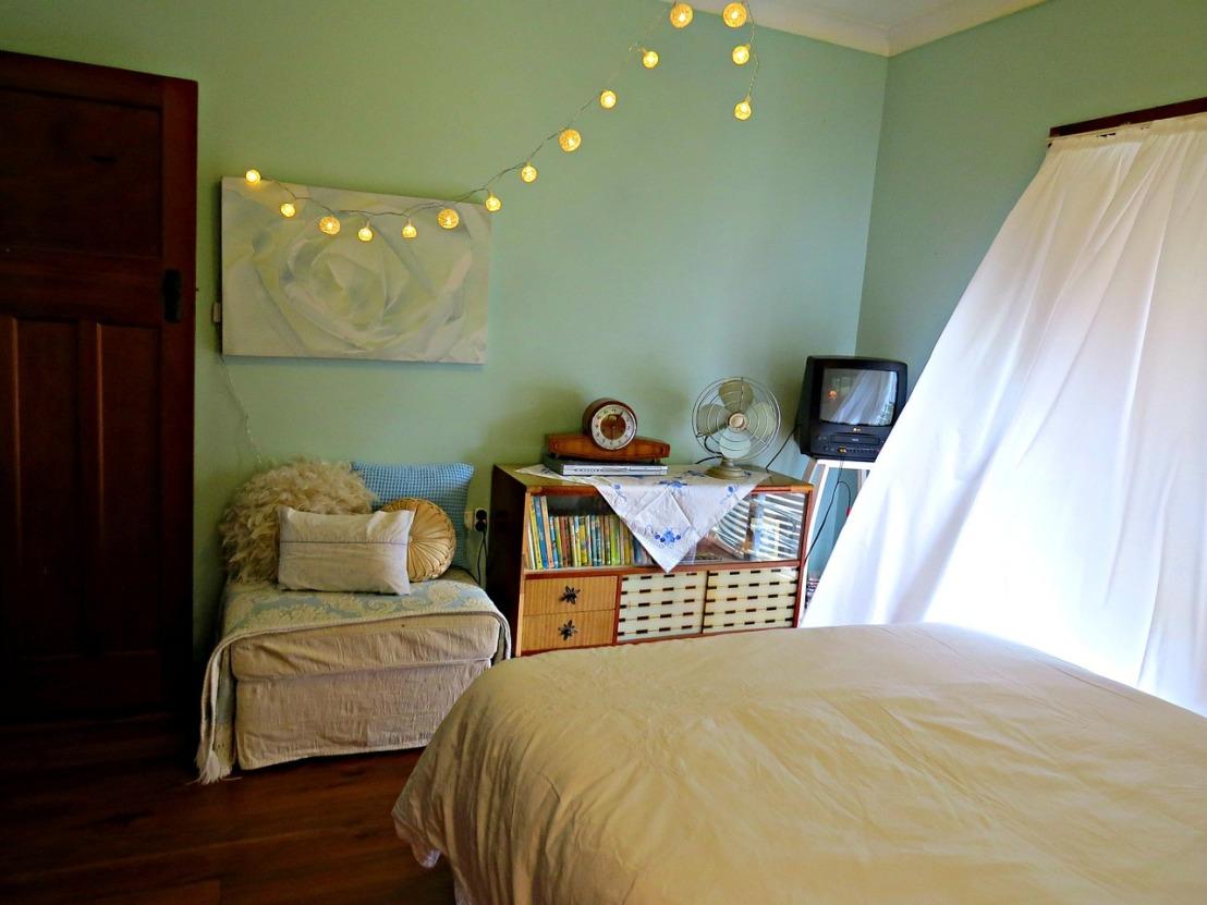 bedroom-658200_1280(1)