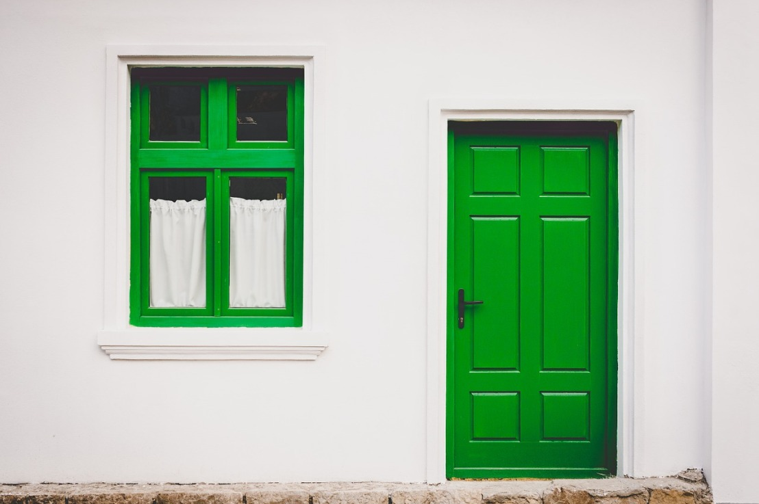 Comment ouvrir une porte fermée à clefs?